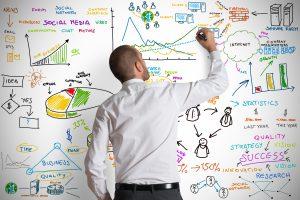 Marketing digital exige conhecimento e estratégia para dar certo. Isso gera muito trabalho.