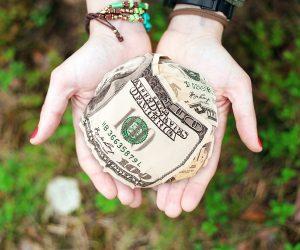 Como marketing digital é pirâmide se você não dá dinheiro algum? Tudo é um investimento com retorno para você.