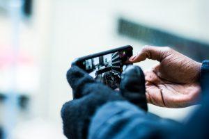 Vídeos tem forte apelo e gera conexão com a audiência.
