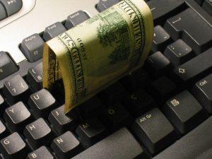 Tenha atenção com as formas de ganhar dinheiro rápido na internet.
