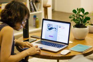 Monte um negócio rentável que possibilita trabalhar do conforto da sua casa.