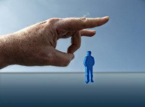 Muito comum as pessoas duvidarem da sua capacidade ao ficar desempregado.