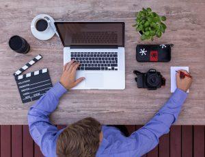 Vídeos são poderosas ferramenta para atrair tráfego para seu negócio.