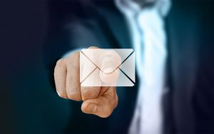 Uma lista de e-mail cativa pode ser uma excelente forma de divulgar vídeos.
