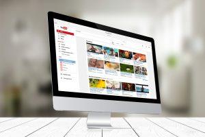 O campo de descrição é onde você diz ao Youtube do que se trata seu vídeo e ele usa essa informação para levar o seu vídeo para quem realmente tem interesse.